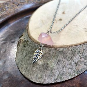 Jewelry - Mauve Crystal and Leaf Necklace